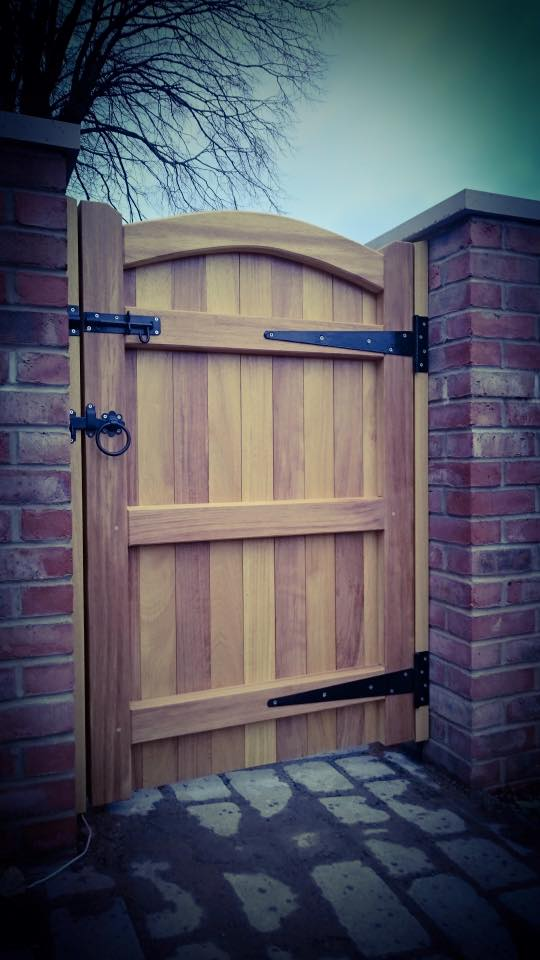 Iroko Hardwood Side Gate Rear - Lymm Design