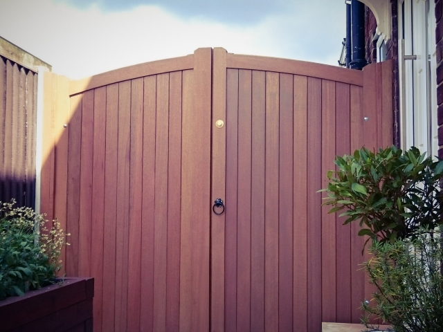 Lymm Design Meranti Hardwood Gate with light oak finish