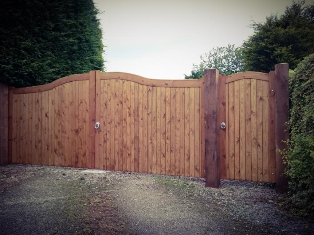 Swan Neck Softwood Driveway Gate with Lymm Style Side Gate