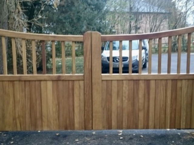 Iroko reverse tarporley design in driveway gates