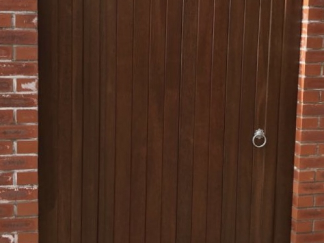 Meranti hardwood Lymm Style gates without horns in dark oak finish