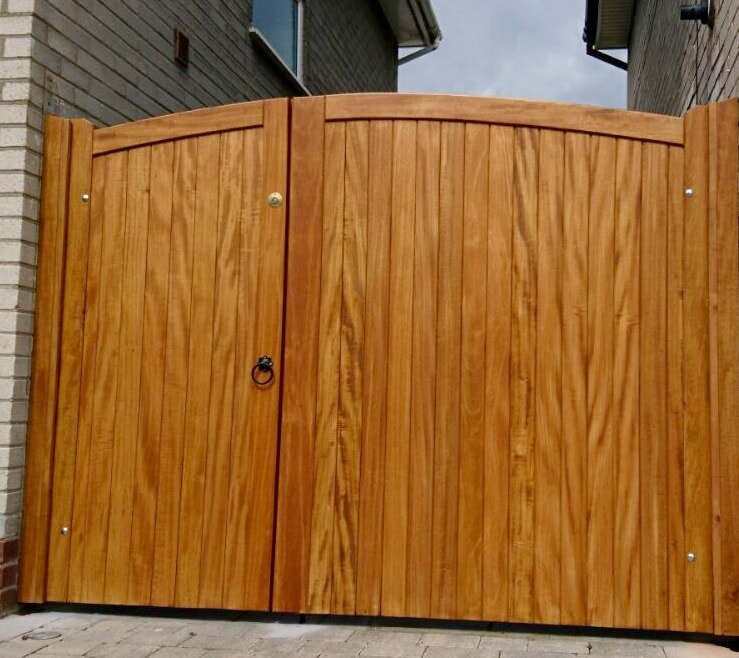 Hardwood Driveway Gates with one large gate